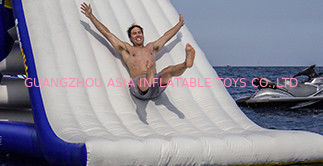 Çin Durability Inflatable Water Slide For Kids , Non-Rotting Yacht Slide Fabrika