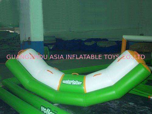 4 Seats Inflatable Totter Tube In Green And White For Water Games Amusement Tedarikçi